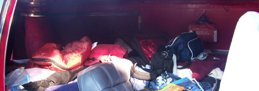 Matériel pour road trip mal rangé